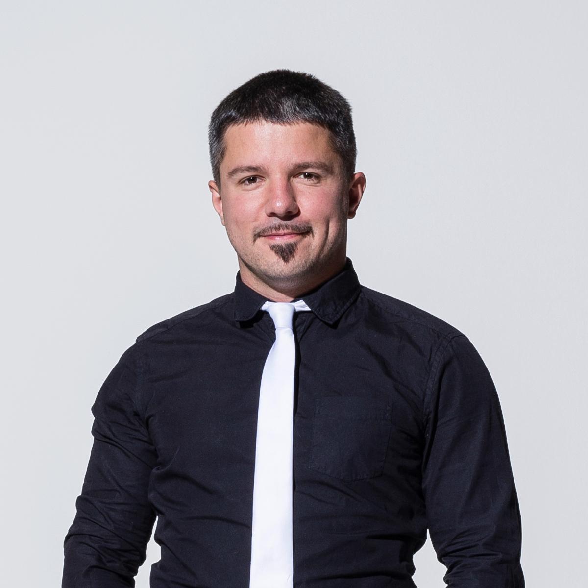 Aron Varda